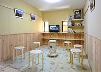 薬師岳山荘 談話室