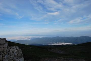 有峰湖と空