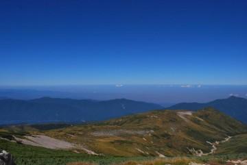 残暑厳しく、今日も暑そうな富山平野