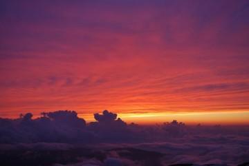 山の上からって、こんな綺麗な夕焼けが見れるんだね・・