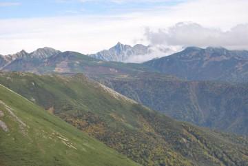 奥黒部の山々が色付いています。