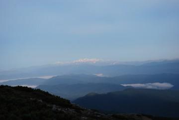 今朝の白山は、朝日を浴びて輝いてました。