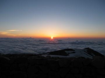 このきれいな夕日が、一日の疲れを癒してくれました。 ホッ(^.^)