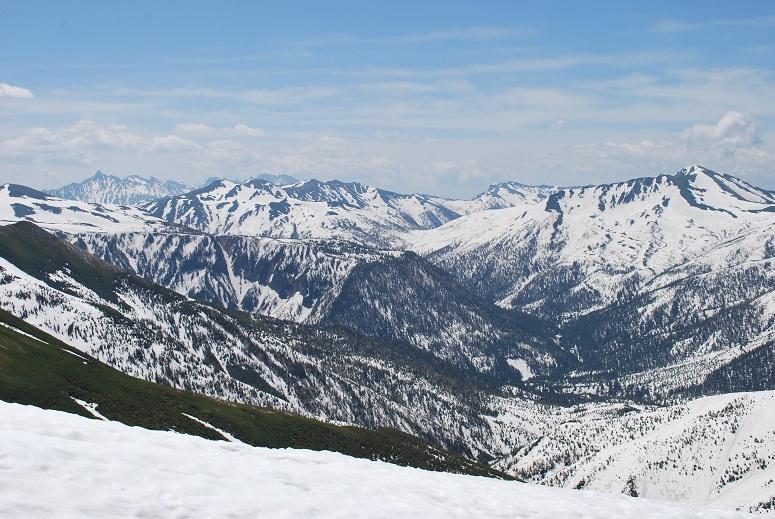 槍に、穂高に、黒部五郎に・・ 雲の平もただの雪原。