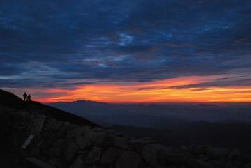 """夕焼け雲で白山が紅色。 """"赤山""""にしましょ(^_^;)"""