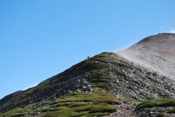 「待った甲斐が有りました」山頂の大きなカールを堪能して行って下さい。馬場島まで無事達成を祈ってます。