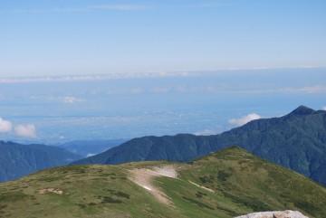 富山の町と能登の町が向かい合ってます。