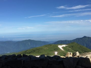 あと2〜3時間もしたら、登山道を歩く登山者の例が見えて来るでしょう?